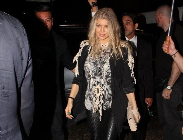 2/4/2013 - Fergie janta em restaurante em Ipanema, no Rio de Janeiro. Ela está na capital carioca a convite da grife Hugo Boss, que fará um coquetel na quarta-feira (3) em sua filial do Leblon para comemorar a expansão da marca na cidade