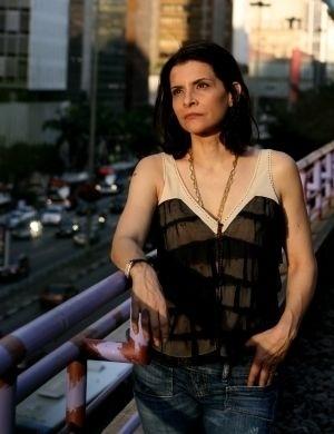"""A cantora Marina Lima assumiu sua bissexualidade em entrevista à revista """"Slogan"""", em 1983"""