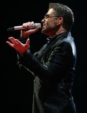 George Michael já até foi preso em banheiro de Los Angeles com outro homem, em 1998