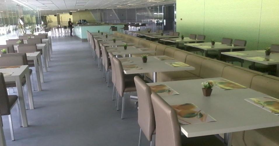 O restaurante oferecerá um buffet de self-service, opções a la carte com comidas regionais e lanches variados