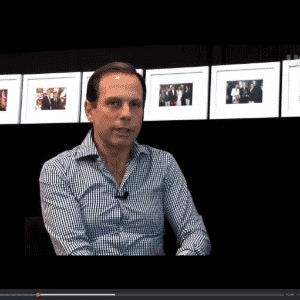 Empresário João Doria, que comanda um programa de entrevistas, se apresenta como candidato - UOL Mulher
