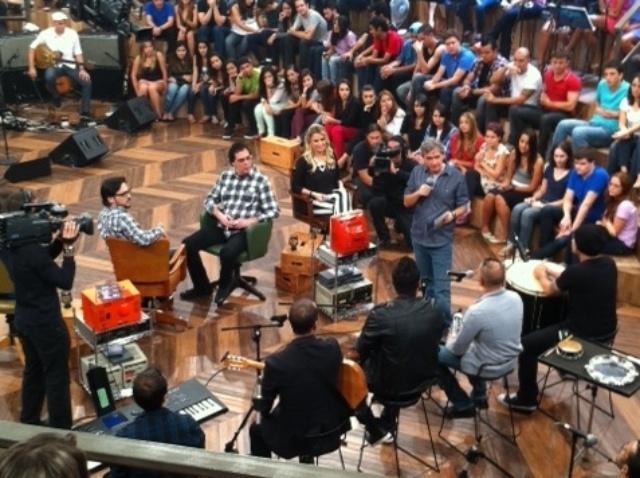 Casagrande em participação no Altas Horas com a ex-BBB Fernanda e Lúcio Mauro Filho