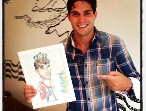 5.abr.2013 - No dia de seu aniversário de 25 anos, ex-BBB André mostra ilustração que ganhou de presente e agradece aos fãs.