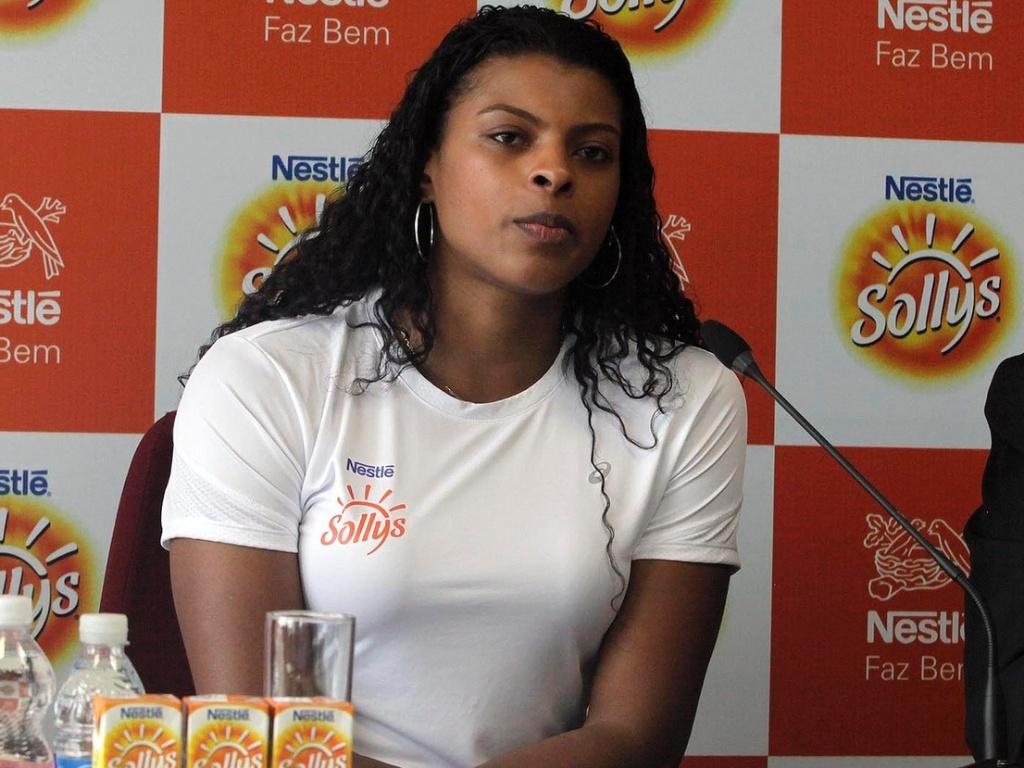 Fernanda Garay, ponteira do Sollys/Nestlé, durante coletiva em sua apresentação na equipe
