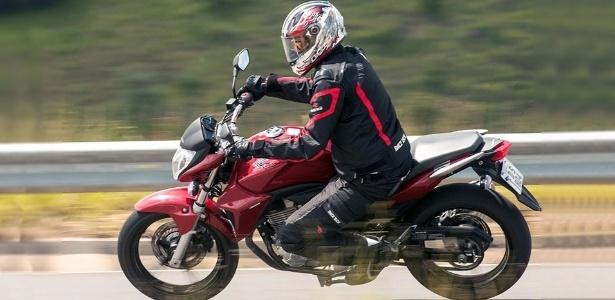 Naked custa R$ 11.990 (Standard) e R$ 13.690 na versão com freios ABS; modelo chega às lojas neste mês - Doni Castilho/Infomoto