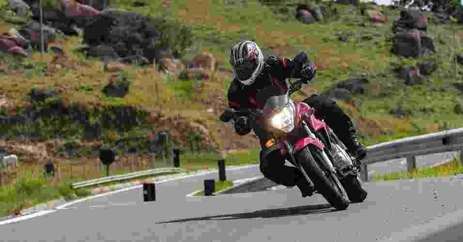 Honda CB 300R Flex - Doni Castilho/Infomoto