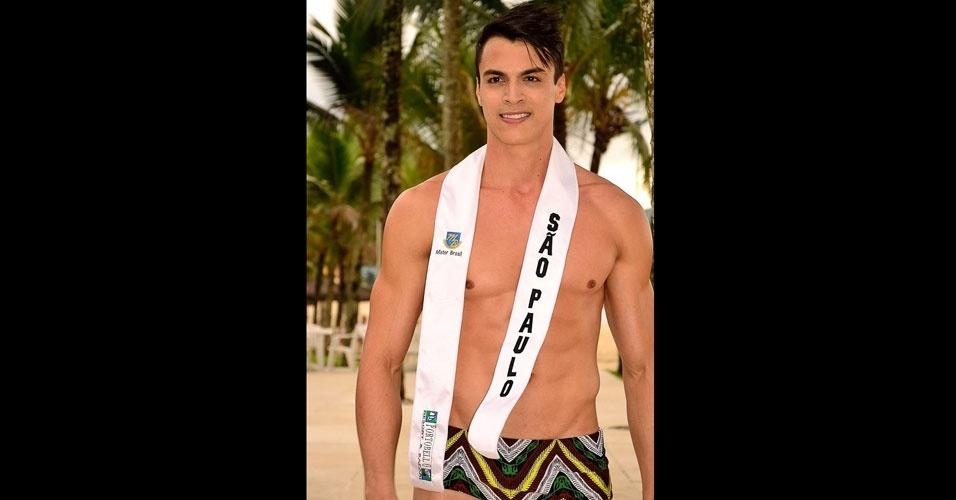 Mister São Paulo desfila de sunguinha no Portobello Safari e Resort, em Mangaratiba, no Rio de Janeiro