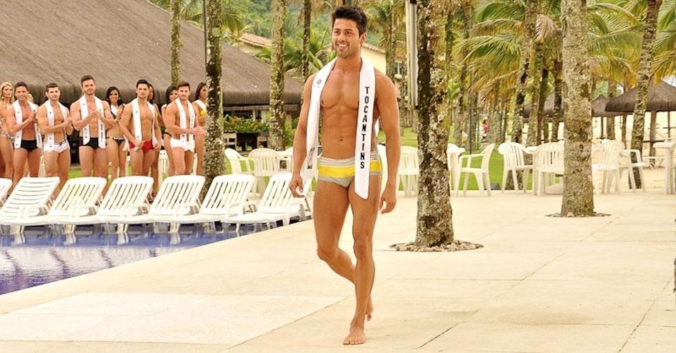 Mister Tocantins desfila de sunguinha no Portobello Safari e Resort, em Mangaratiba, no Rio de Janeiro
