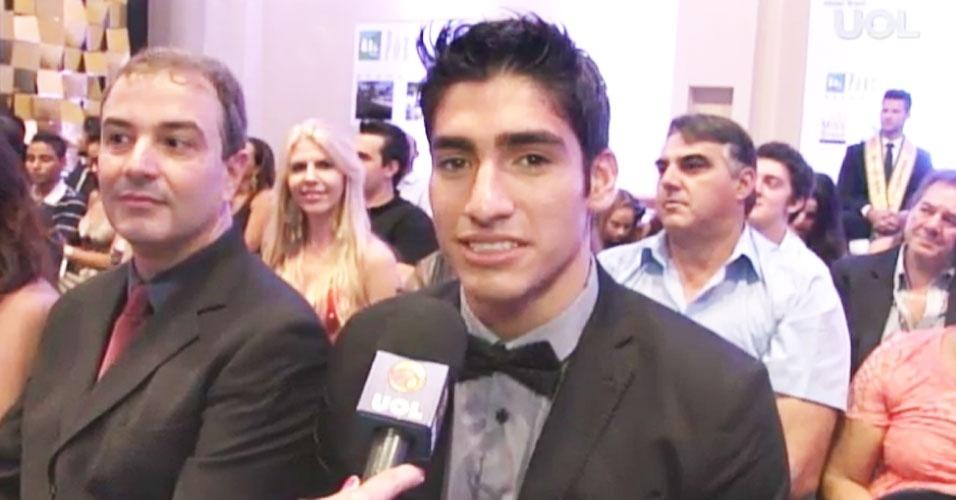 6.abr.2013 - O Mister Mundo 2012, Francisco Escobar, falou com o UOL também