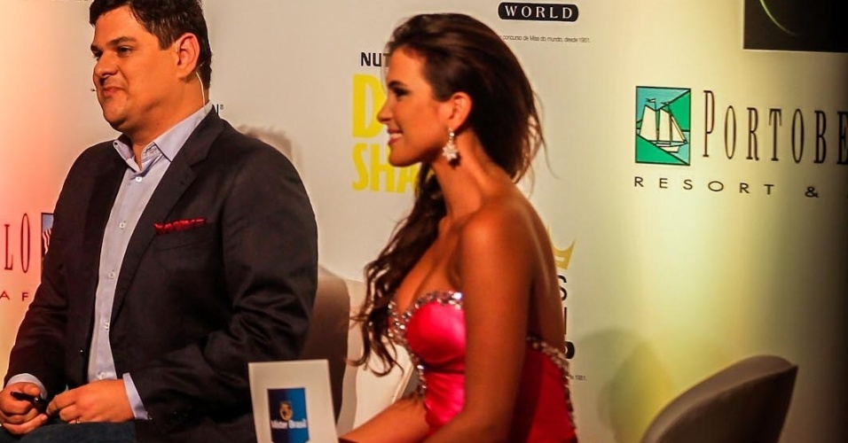A Miss Brasil World 2010 e ex-BBB Kamilla Salgado foi uma das comentaristas da noite