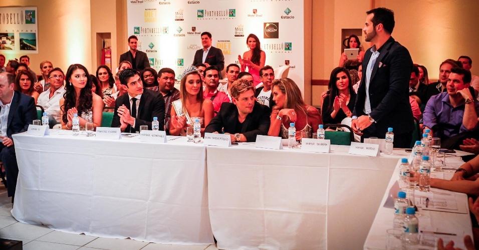 O júri do concurso contou com presenças internacionais como a Miss Mundo 2012, a chinesa Wenxia Yu, o Mister Mundo 2012, o colombiano Francisco Escobar, além da Miss Brasil World 2012, Mariana Notarangelo