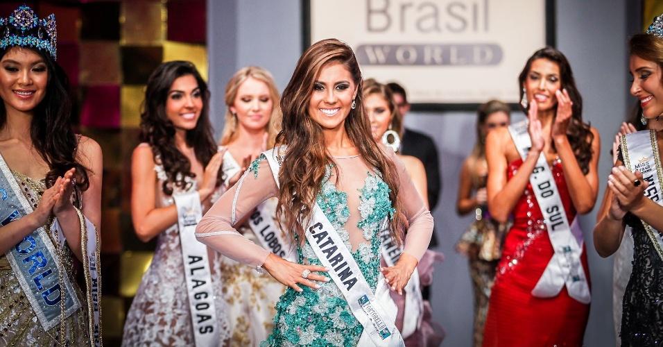 6.abr.2013 - A Miss Santa Catarina World, Thainara Latenik, ficou com o terceiro lugar