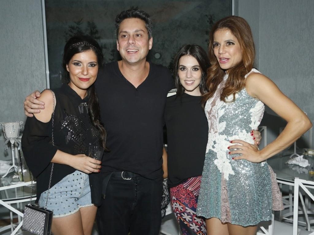 6.abril.2013 - A escritora Lua Veiga e os atores Alexandre Nero, Karen Brustolin e Nívea Stelmann