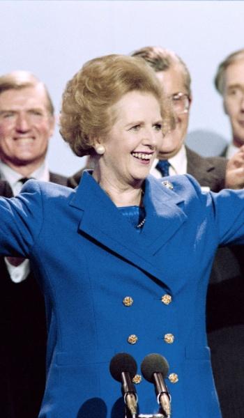 13.out.1989 - Margaret Thatcher recebe aplausos após conferência do Partido Conservador britânico em Blackpool, Inglaterra. Thatcher foi primeira-ministra do Reino Unido de 1979 a 1990, o maior período contínuo no governo para um primeiro-ministro britânico desde o início do século 19