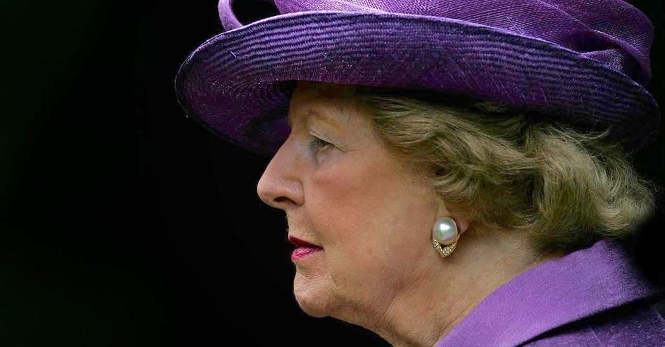 14.jun.2007 - Margaret Thatcher participa de cerimônia religiosa que marca o 25º aniversário das libertação das ilhas Malvinas, em Berkshire, no Reino Unido