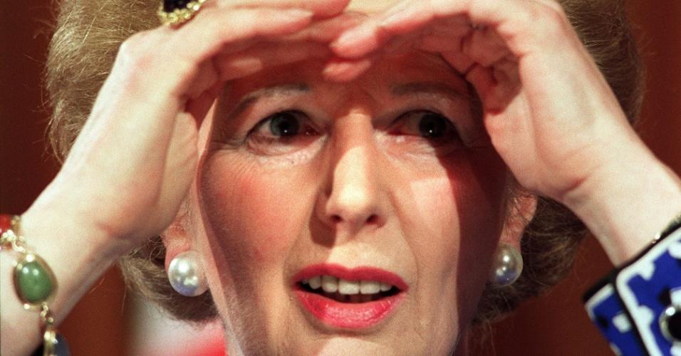 30.mai.1989 - Margaret Thatcher participa de coletiva de imprensa após reunião da Otan (Organização do Tratado do Atlântico Norte) em Bruxelas, Bélgica. Thatcher foi primeira-ministra do Reino Unido de 1979 a 1990, o maior período contínuo no governo para um primeiro-ministro britânico desde o início do século 19