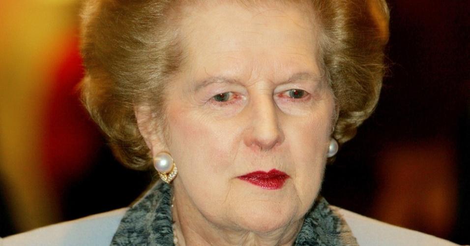 3.nov.2005 - Margaret Thatcher recebe o prêmio de mulher do ano, chamado de