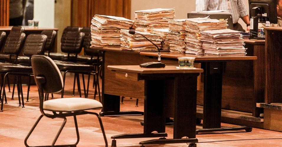 8.abr.2013 - Mais de 20 anos após o massacre do Carandiru, 26 policiais militares acusados de assassinato começam a ser julgados nesta segunda-feira (8), no Tribunal do Júri