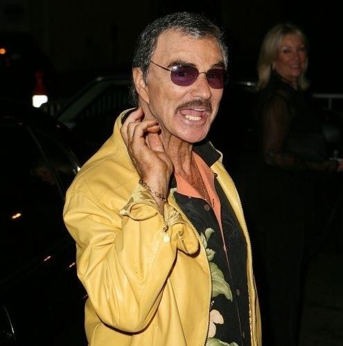 O ator Burt Reynolds admitiu lutar contra um vício em analgésicos. Em 2009, aos 73 anos, o ator internou-se em uma clínica. Ele também teve problemas com um tipo de remédio para dormir nos anos 80