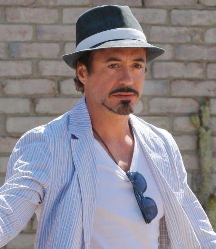 O ator Robert Downey Jr. lutou por anos contra o vício em álcool, cocaína e heroína. Foi para a reabilitação em 1996, 1998, 1999 e 2001