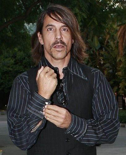 O cantor Anthony Kiedis foi pela primeira vez para a reabilitação em 1988. Ele internou-se novamente em 1994 por causa do vício em remédios, e diversas outras vezes nos anos 90. Ele está livre do vício em drogas e álcool desde 2000