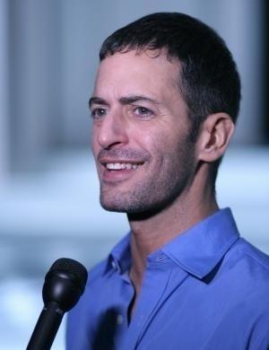 O estilista Marc Jacobs ficou sóbrio por sete anos, teve uma recaída em janeiro de 2007 e voltou à clínica