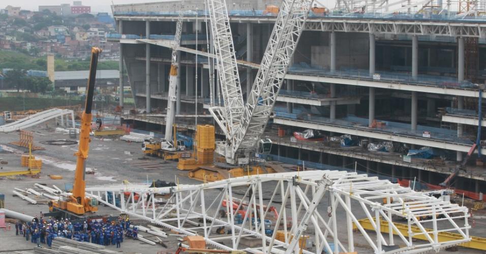 04.abril.2013 - Obras seguem no Itaquerão, o estádio que terá o jogo de abertura da Copa do Mundo de 2014
