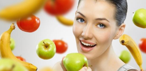 Não há um horário específico consumir frutas, vale incluí-las no café da manhã e nos lanches intermediários