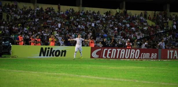 O argentino Montillo fez o segundo gol do Santos contra o Flamengo-PI 2b0f2903db933