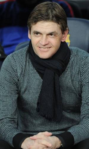 10.abr.2013- No banco do Barcelona, técnico Tito Vilanova assiste ao jogo contra o PSG pelas quartas de final da Liga dos Campeões