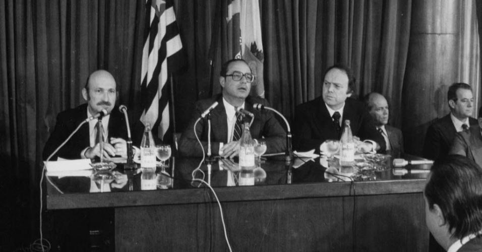 Em 1979, o governador Paulo Maluf (ao centro) e o vice-governador José Maria Marin (à dir.) durante discurso