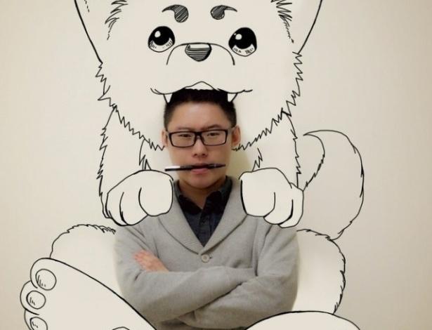 Gaikuo Captain é um talentoso estudante de ilustração chinês fã de cultura pop e quadrinhos. Em sua última série, ele aparece em montagens que misturam ilustração e Photoshop, em que ele aparece interagindo com seus heróis favoritos, entre eles, Batman