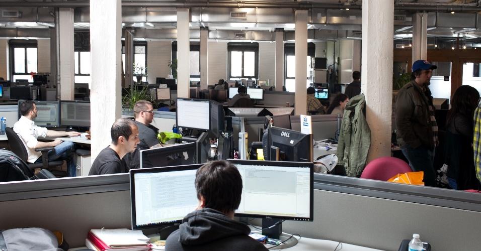 Fundado em 1997, o estúdio da Ubisoft em Montreal ocupa um prédio inteiro e passa por constantes melhoras para acomodar novos funcionários