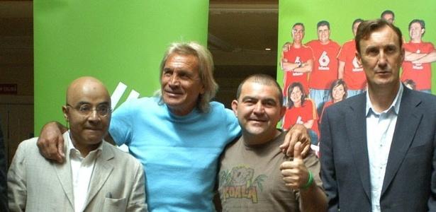 Para Hugo Gatti (de azul), Boca Juniors precisa de um goleiro mais jovem - EFE/Kiko Huesca