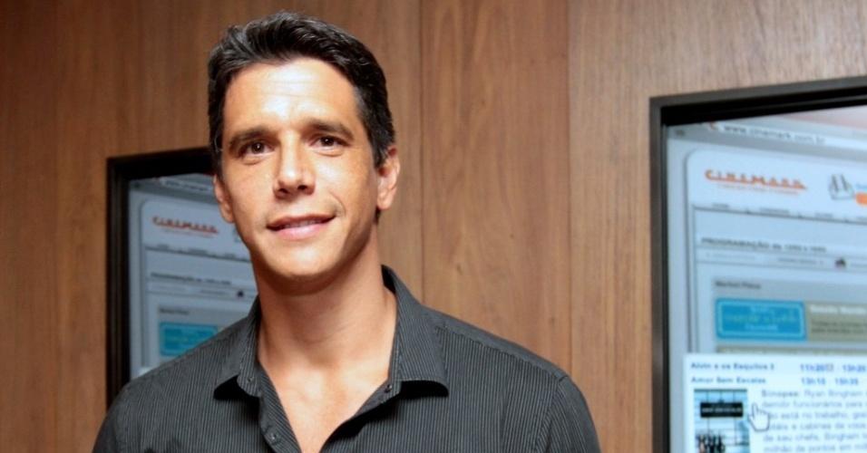 """11.abr.2013 - Márcio Garcia, diretor de """"Angie"""", comparece à pré-estreia do longa no Cinemark Cidade Jardim, em São Paulo"""