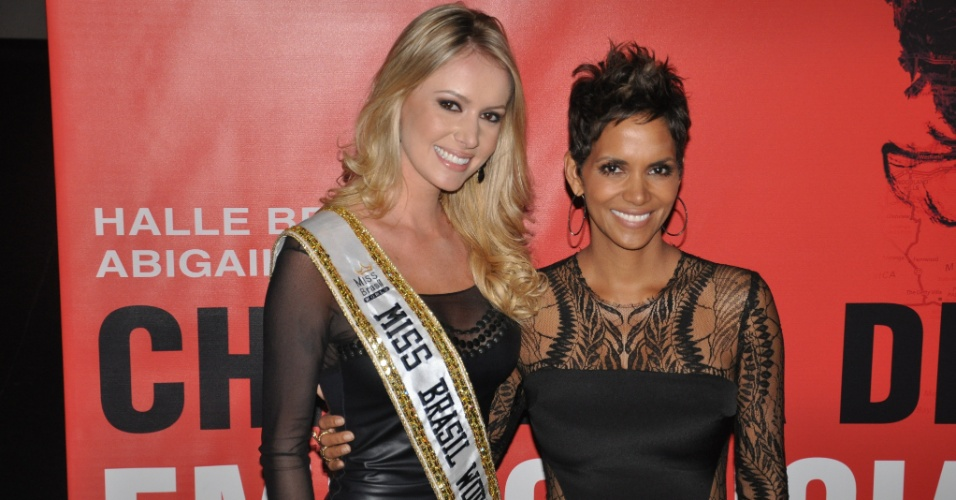 12.abr.2013 - A atriz deu conselhos à Miss Brasil World 2013: