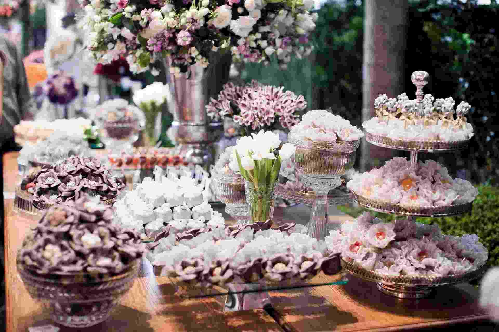 11.abr.2013 - mesa de doces da Louzieh Doces Finos (www.louziehdoces.com.br) apresentada na Casar 2013 - Leonardo Soares/UOL