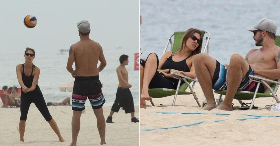 13.abr.2013 - Fernanda Lima e Rodrigo Hilbert jogam vôlei e curte na praia no Rio de Janeiro