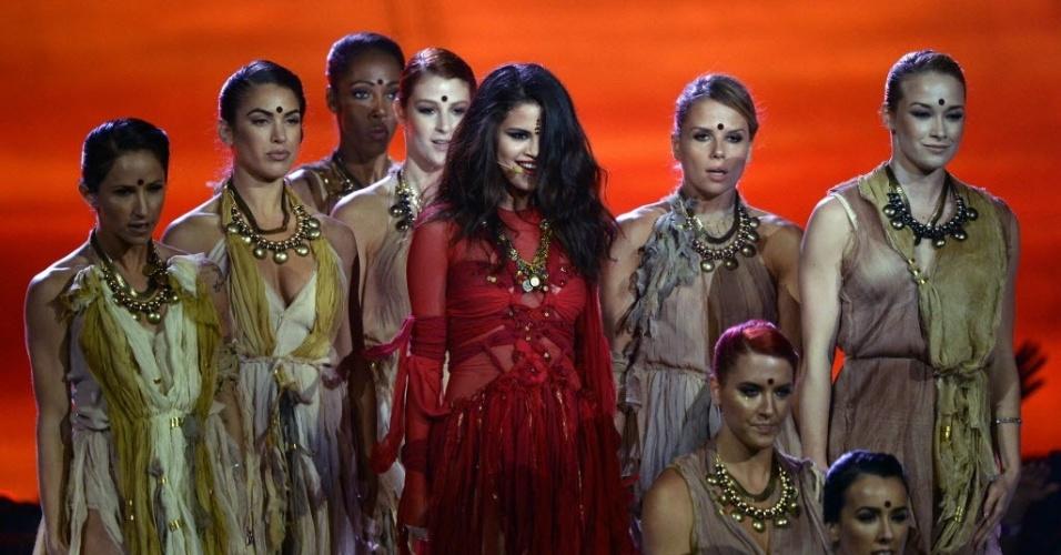 14.abr.2013 - Selena Gomez apresenta o single