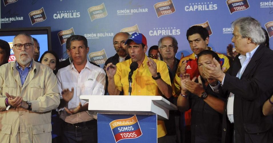 15.abr.2013 - O candidato derrotado à presidência da Venezuela Henrique Capriles, representante da oposição, afirmou em pronunciamento que não reconhece a vitória do governista Nicolás Maduro, que venceu por apertada margem de votos