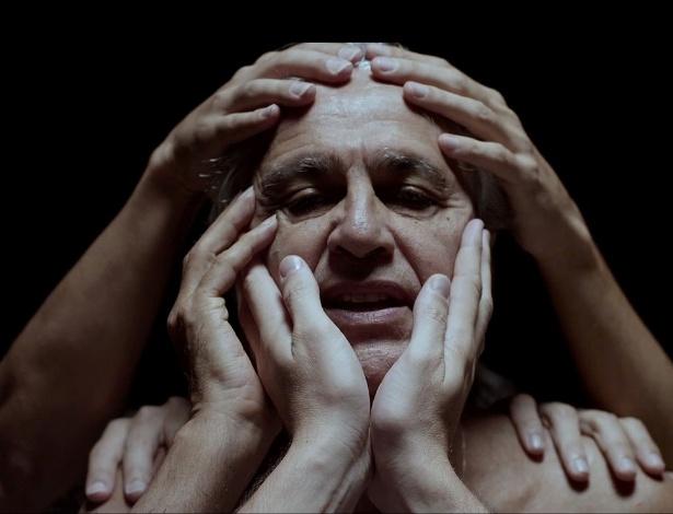"""Caetano Veloso em cena do clipe """"A Bossa Nova é Foda"""" - Reprodução"""