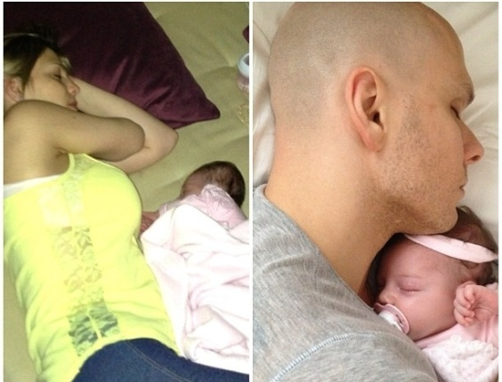 Sheila Mello é mesmo uma mãe coruja. A loira colocou em seu blog mais uma foto do casal em momento ternura com a filha.