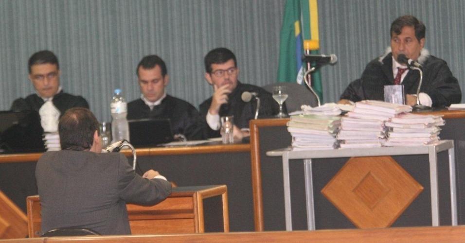 16.abr.2013 - Julgamento do policial militar Carlos Adílio Maciel Santos, no 3º Tribunal do Júri de Niterói (RJ). Ele é um dos acusados pela morte da juíza Patrícia Acioli em agosto de 2011