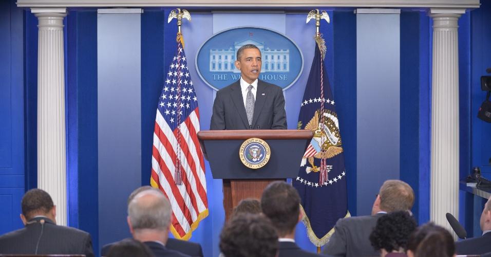 """16.abr.2013 - O presidente dos Estados Unidos, Barack Obama, fala na Casa Branca, em Washington, sobre as explosões na Maratona de Boston, que deixaram três mortos e mais de 170 feridos. Ele classificou o ocorrido como """"um ato de terrorismo"""""""