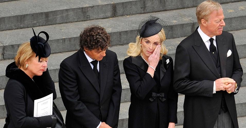 17.abr.2013 - Familiares de Margaret Thatcher participam do funeral da ex-primeira-ministra britânica na catedral de St. Paul, nesta quarta-feira (17)