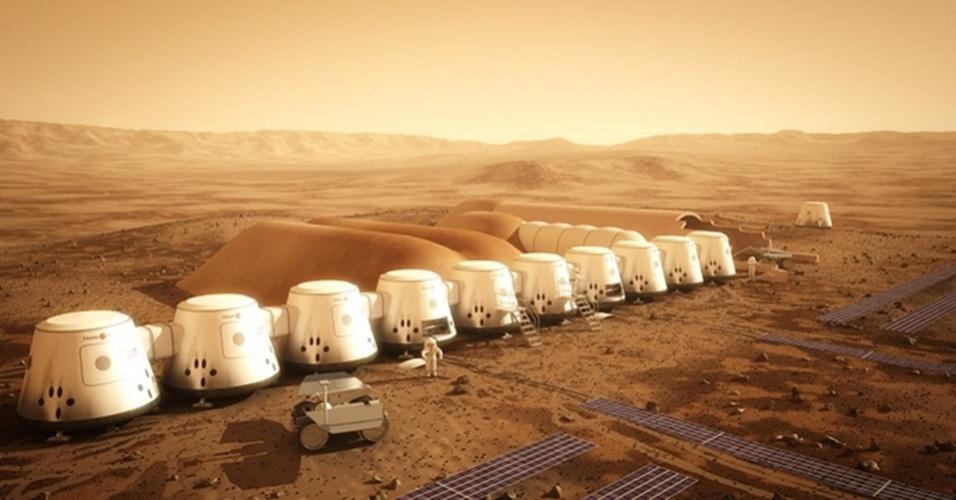 17.abr.2013 - O holandês Bas Lansdorp, fundador da empresa Mars One, informou que abrirá em breve as inscrições para os voluntários que desejam colonizar Marte - a primeira equipe de astronautas deverá chegar em 2023. Todo o processo (a seleção dos candidatos, a viagem, e o cotidiano no planeta vermelho) será transmitido em um programa de TV, como em um reality show. O intrigante do Mars One é que a passagem será apenas de ida, pois será quase impossível para os astronautas se reajustarem à gravidade da Terra depois de viver no campo gravitacional bem mais fraco de Marte, afirma Lansdorp. Além disso, os colonos terão de enfrentar uma viagem longa, de sete a oito meses, que os fará perder massa óssea e muscular