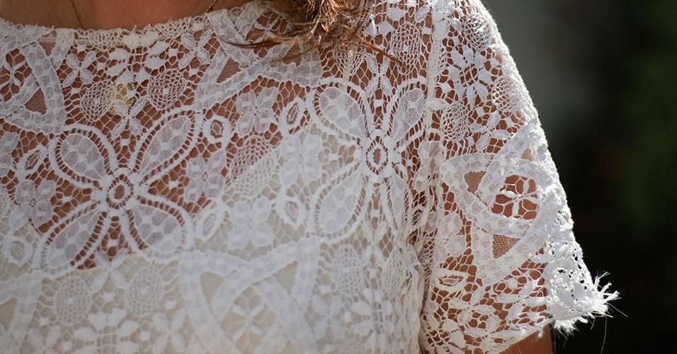 16 abr. 2013 - Detalhe para a renda da blusa NK Store de Leticia