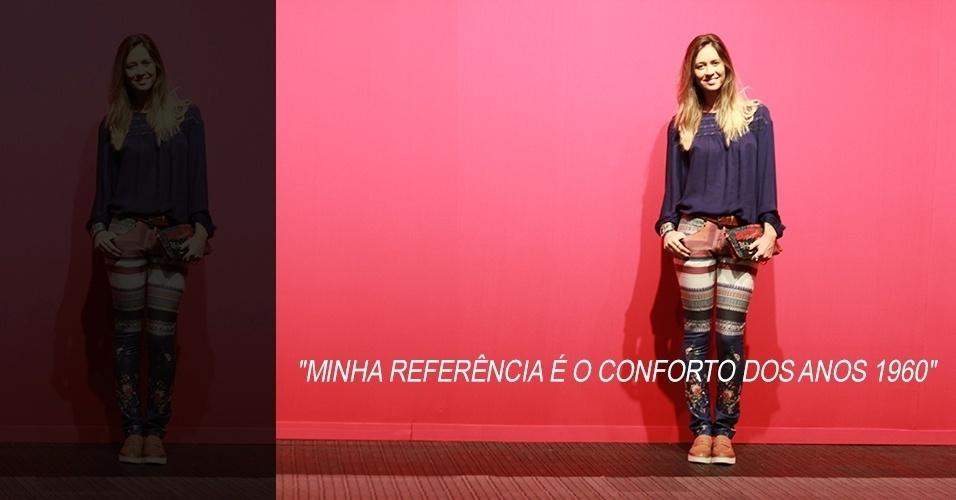 16 abr. 2013 - Flavia Cavasotti, 26, jornalista e blogueira de moda, usa blusa e calça Espaço Fashion, mocassim Totem, clutch Desigual e anéis de uma feira hippie