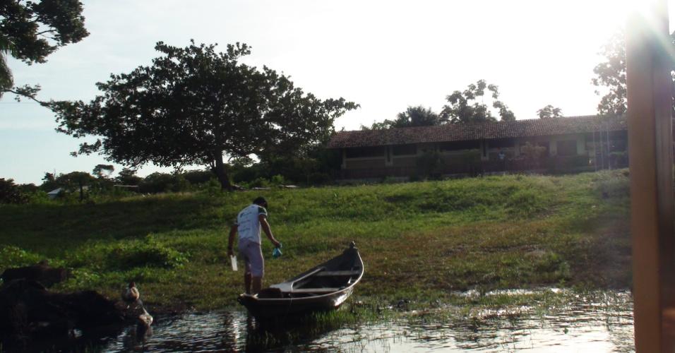Lancha MEC Santarém comunidade de Arapixuna