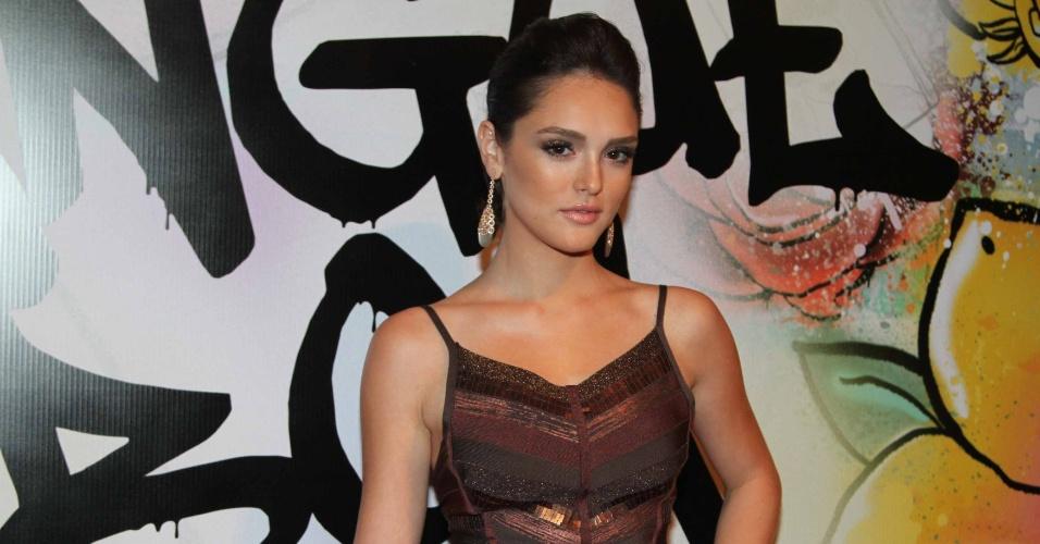 """17.abr.2013 - A atriz Isabelle Drummond vai à festa de lançamento de """"Sangue Bom"""" em São Paulo"""